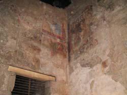 Χριστιανικοί βανδαλισμοί: Επιζωγράφιση αρχαίου ναού στο Λούξορ (http://picasaweb.google.com/lh/photo/-CZnss3qKnFewqNY5nCWHQ)
