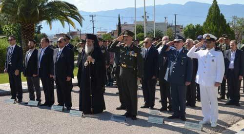 Ο  σύντροφος Κυριακάκης  του ΣΥΡΙΖΑ (δεύτερος εξ αριστερών) μετά των τοπικών αρχών