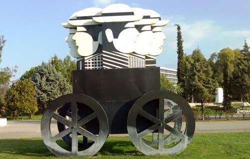 Γιάννης Γαΐτης: Μαζική μεταφορά ή Μαζικιές μεταφορές ( σίδερο και χρώμα )