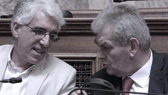 Αριστερά ο κ.Παρρασκαιβώπουλως της επιτροπής υποδοχής καλόβολων χιτλερικών
